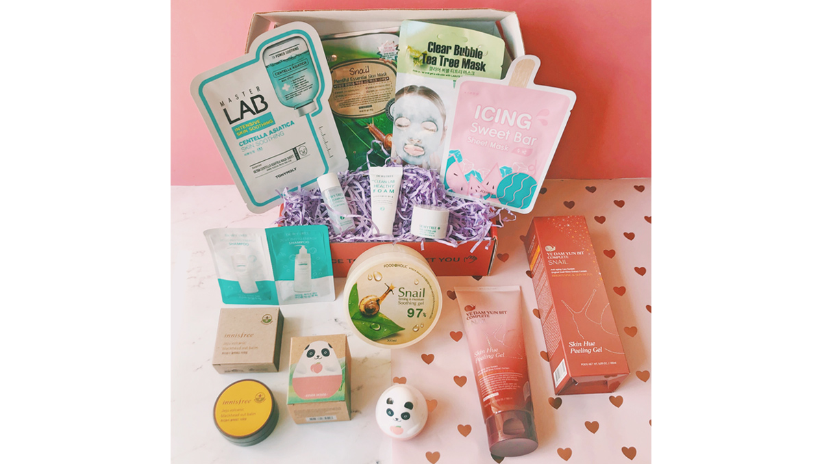 April Sooni Pouch - Korean Beauty Box